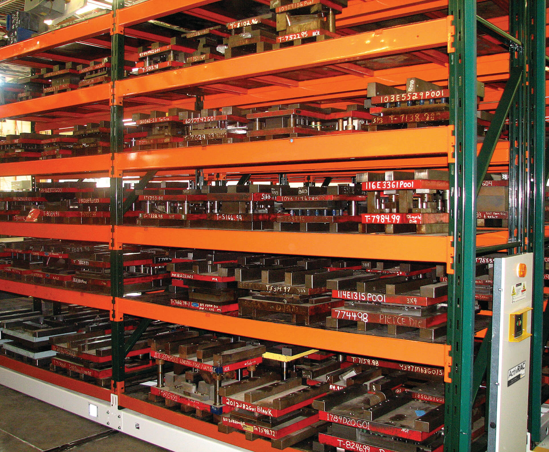 Die storage on compact mobile industrial shelving